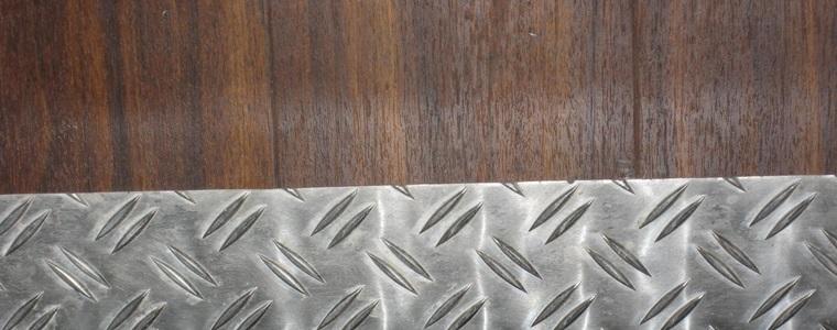 Holz mit anderen Materialien